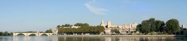 1280px-Avignon_Panorama