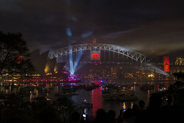 1024px-Sydney_Harbour_New_Years_Eve_2012-2013