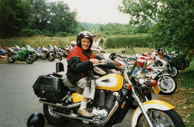 047 Dad Box Hill Honda Shadow 1100cc ACE 1996